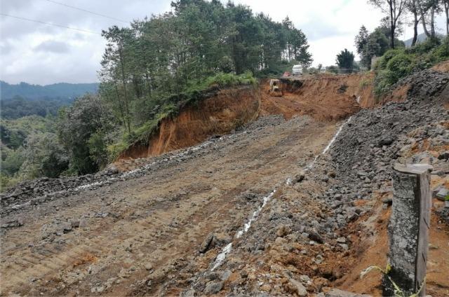 Cierran vialidades en Teziutlán por obras a causa del socavón