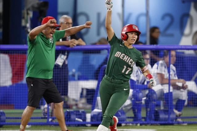 Equipo de softbol mexicano consigue primera victoria en Tokio