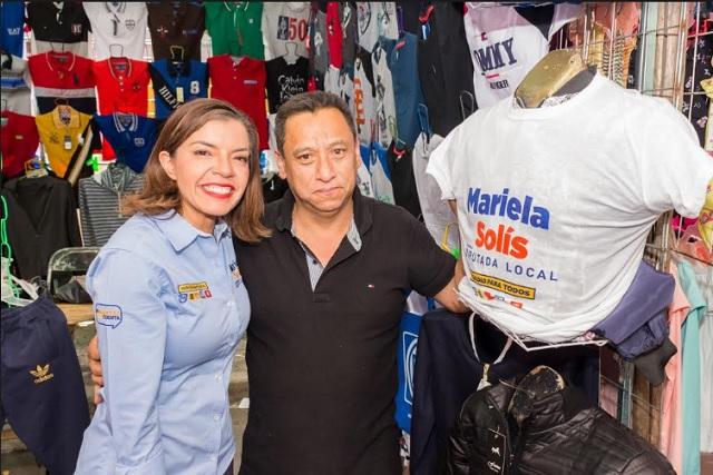 Mariela Solís presenta a comerciantes propuesta de créditos