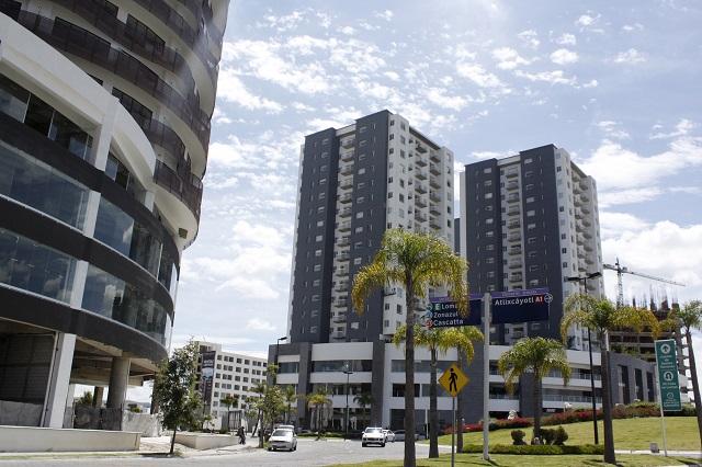 Expone investigación abusos en Lomas de Angelópolis
