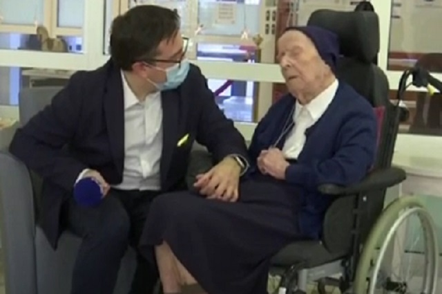 Con 117 años es la mujer europea más longeva en curarse de covid