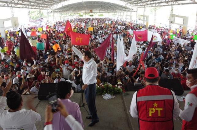 Tepole reúne a miles en su cierre de campaña en Tehuacán