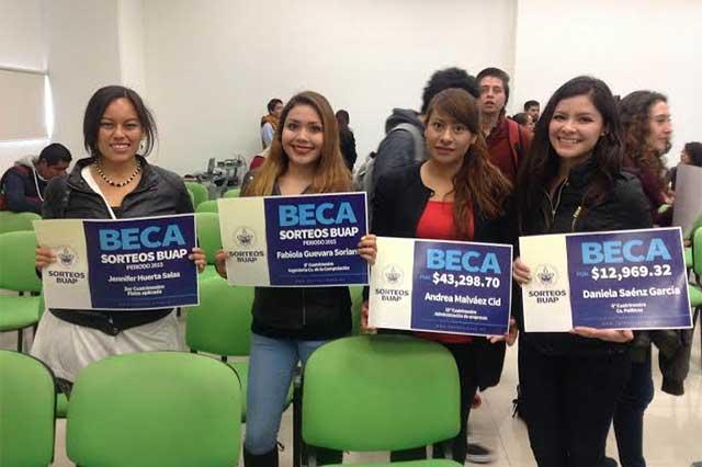 Sorteo BUAP genera recursos para becas y bonos a estudiantes