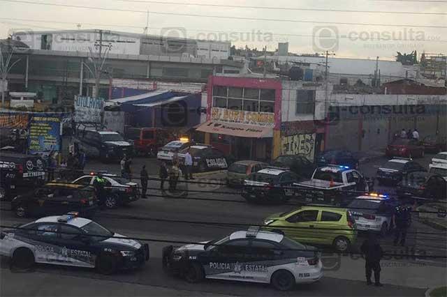 Movilización frente a la sede del PRI por detención de sospechosos