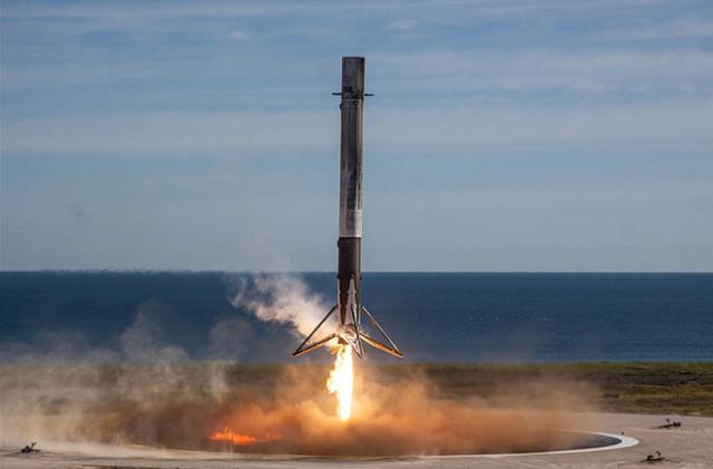 Hoy despegará desde Cabo Cañaveral el cohete más poderoso del mundo fabricado por Tesla