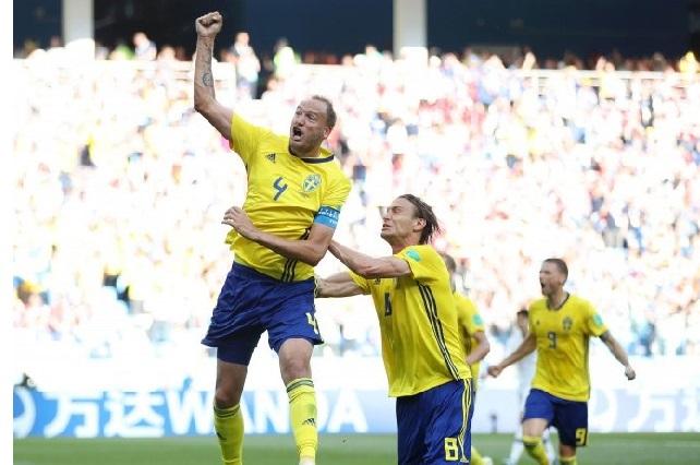 Suecia vence a Corea del Sur 1-0 gracias al VAR y es líder junto a México