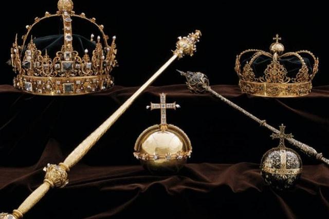 Un par de sujetos roba dos coronas de reyes suecos