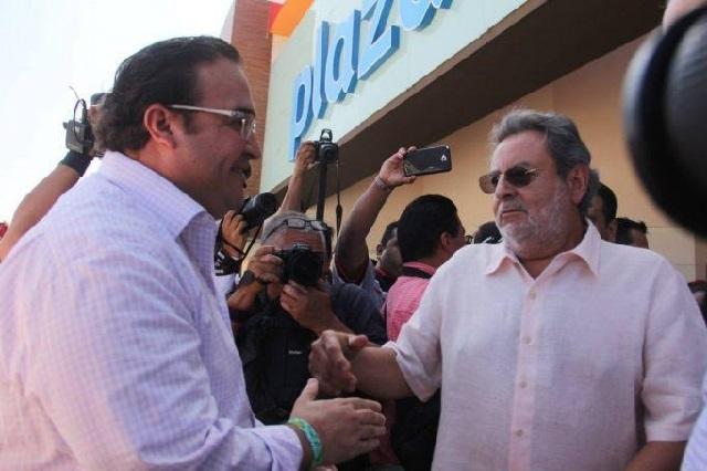 Suegro de Duarte denuncia que le congelaron sus cuentas bancarias