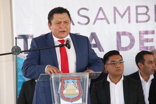 Denuncian acoso trabajadores opositores al líder Gonzalo Juárez