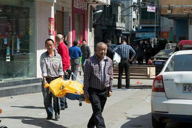 Un sujeto apuñala a 10 niños en una escuela china y luego se suicida