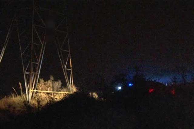 Joven de 19 años se suicida cólgandose de una torre de CFE