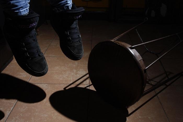Presuntamente drogado, joven se ahorca en su casa, en Huejotzingo