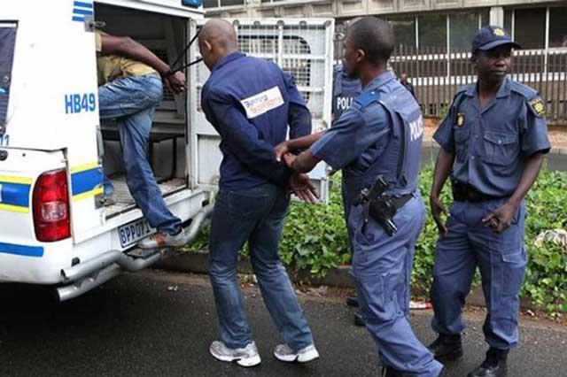 Capturan a 4 sujetos por asesinato y canibalismo