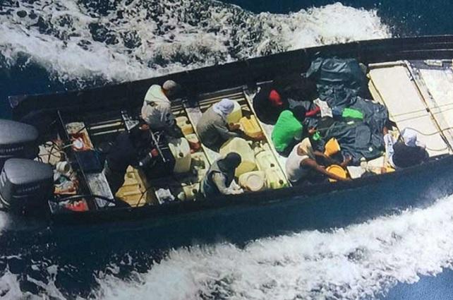 Caen en Acapulco 14 sujetos que llevaban 900 kilos de cocaína y un cadáver