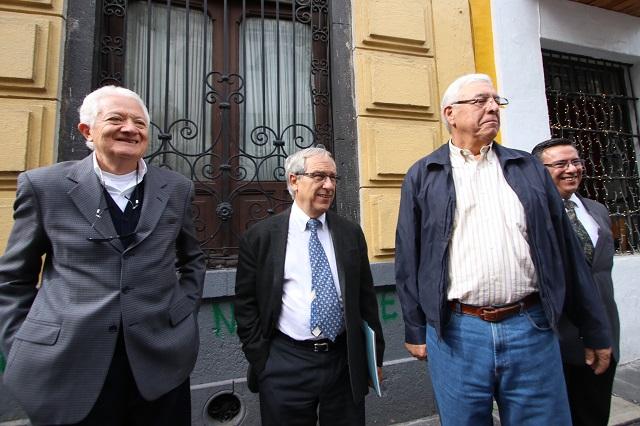 Piden recortar a 1% firmas para independientes en Puebla