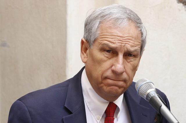 Evade Cárdenas abordar tema del complot contra Barbosa