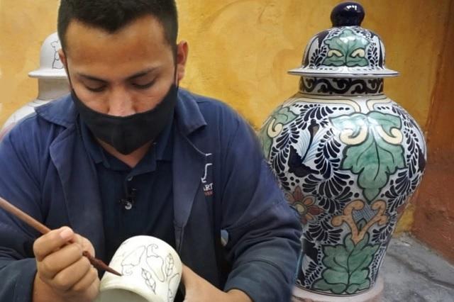 Pese al Covid y la cerámica china, persiste la talavera poblana