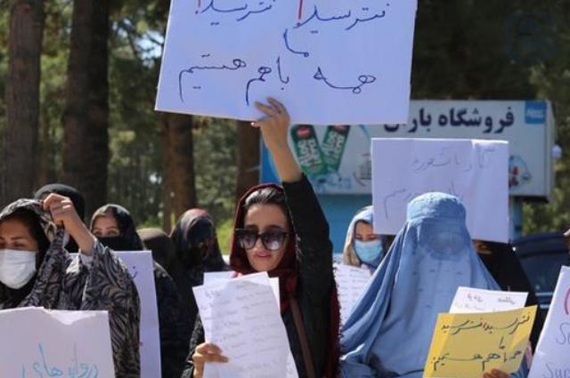 Denuncia ONU que talibanes no garantizan derechos de mujeres
