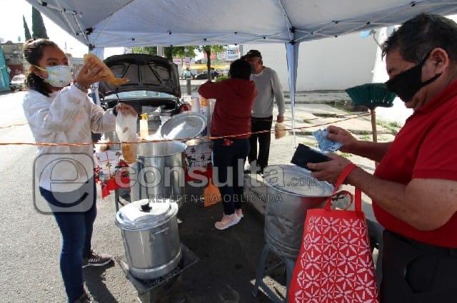 Caen ventas de tamales para el Día de la Candelaria en Puebla