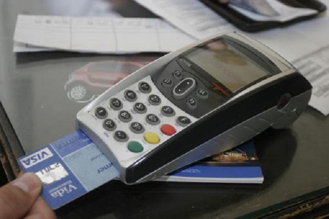Por crisis, mexicanos dejan de pagar tarjetas de crédito