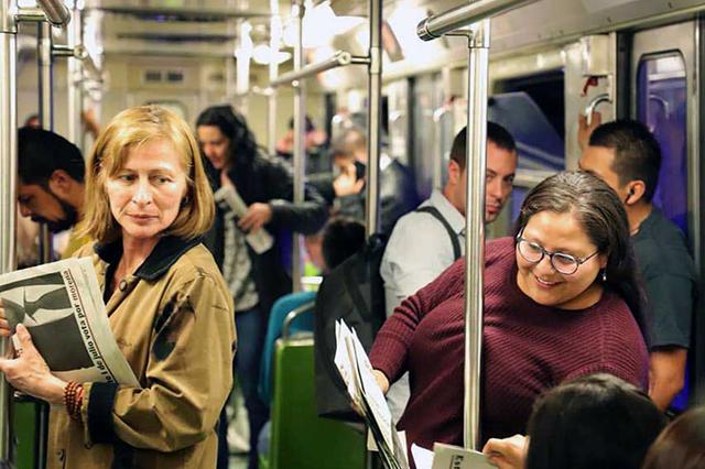 Tatiana Clouthier volantea en los vagones y andenes del Metro