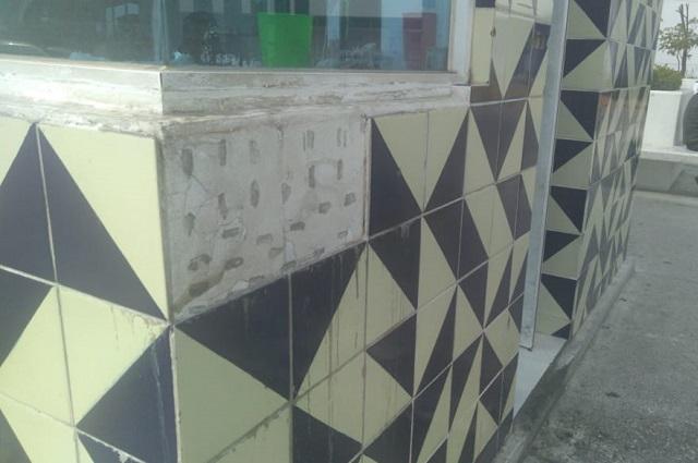 Fachadas con tema de talavera en oficina públicas, sin cambio