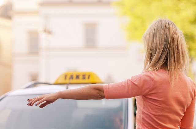 #NiUnaMas 6 tips para viajar más segura en taxi, Uber o Cabify