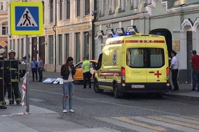 Taxi embiste a multitud en Rusia y reportan a 3 mexicanos heridos