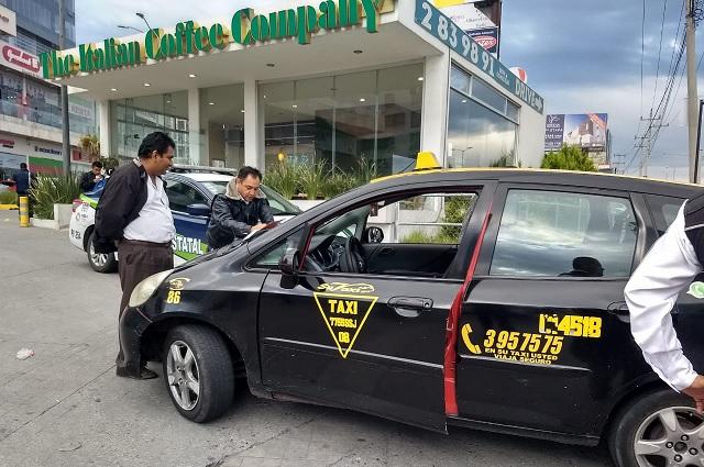 Provoca caos en Periférico operativo contra taxis pirata