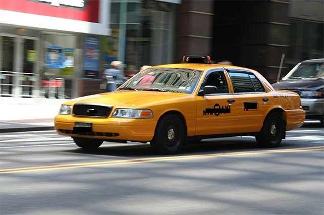 Detienen a mujer que violó y asaltó a un taxista