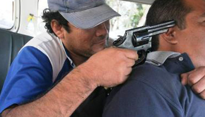 Asaltan y matan de un balazo a taxista de Atlixco