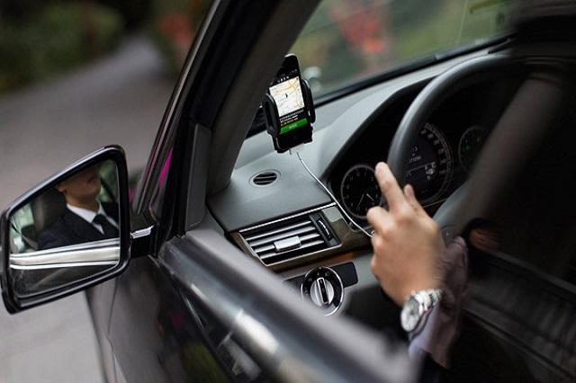 Redes sociales estimulan la informalidad en taxis ejecutivos