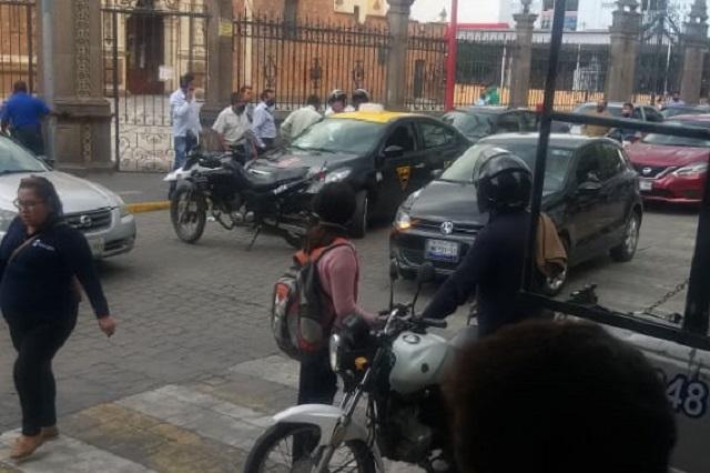Rescatan a  taxista secuestrado, en el centro de Texmelucan