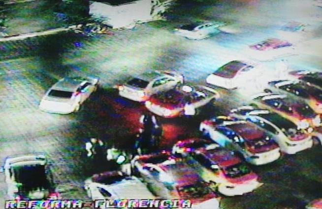 Taxistas se plantan frente a El Ángel y marcharán hacía el Zócalo