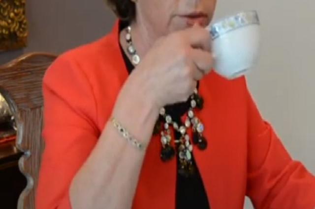 ¿Sabías que no es lo mismo calentar el agua para té en microondas que en estufa?