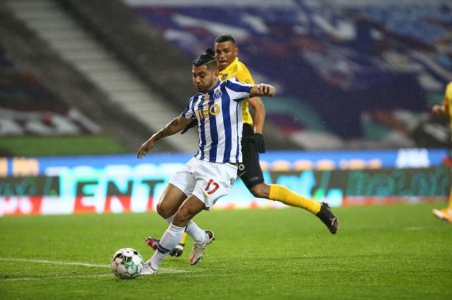 Tecatito Corona llega a su partido 250 con victoria del Porto sobre Rio Ave