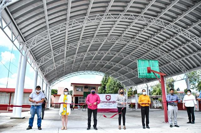 Inaugura edil de Coronango techados en 2 escuelas del municipio