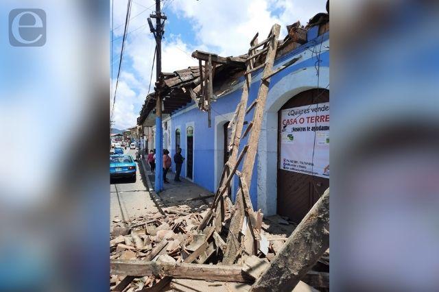 Por lluvias colapsa techo de casa en centro de Huauchinango