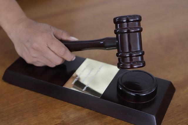 Separan a Juez de Cholula que ejercía con título falso