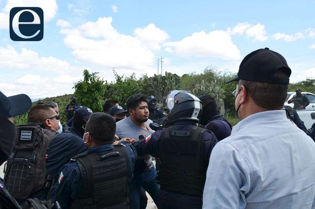 Cerrando caminos no se arreglan conflictos, dice Barbosa a tehuacaneros