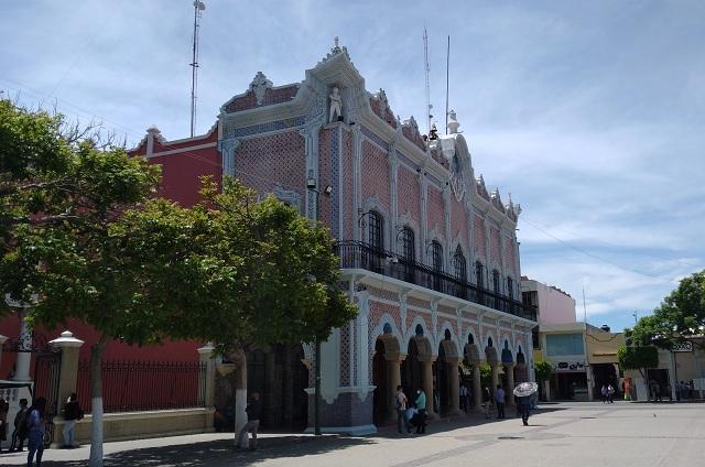 Cabildo de Tehuacán irá la SCJN contra Congreso por disolución