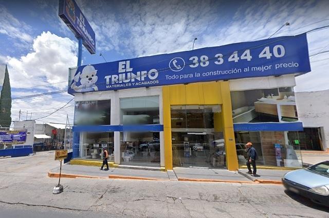 Tractocamión atropella a empleado del Triunfo en Tehuacán