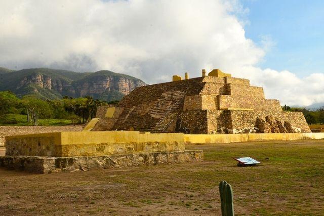 Saquean zona arqueológica de Tehuacán