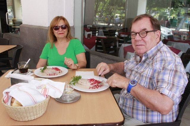 Se preparan para temporada de chiles en nogada en Tehuacán