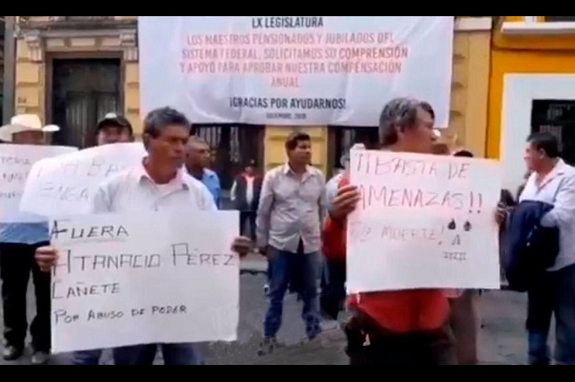 Pobladores de Teopantlán piden destitución del edil