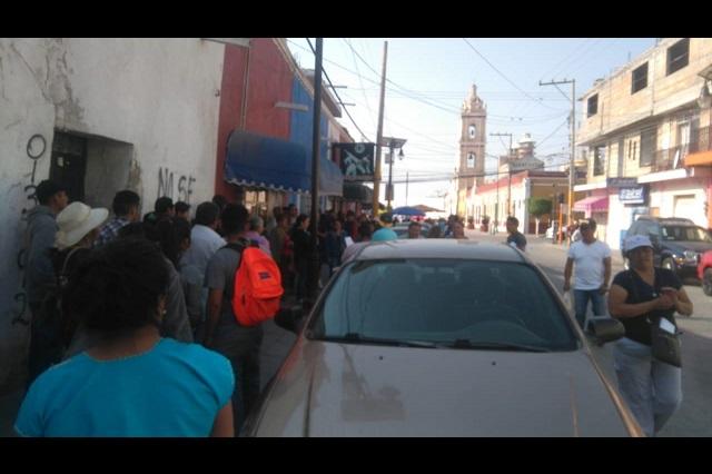 Movilizan a cientos en Tepeaca con señuelo de créditos de AMLO