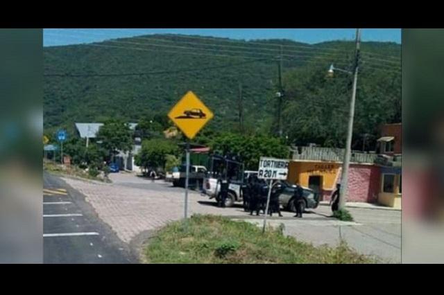 Habitantes de Tepexco cierran entradas por inseguridad