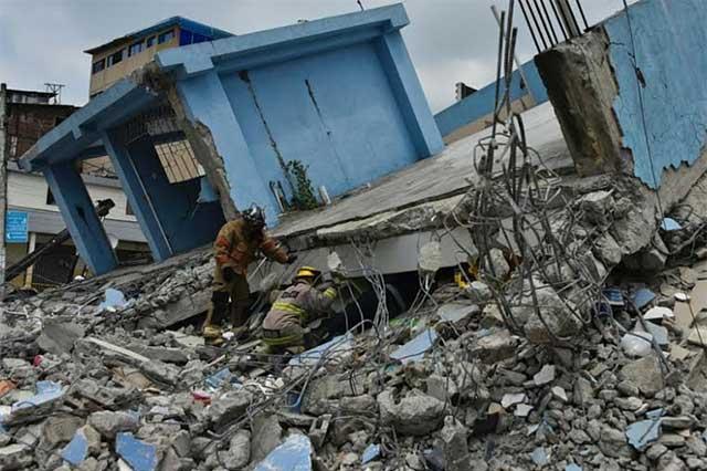 Terremoto en Ecuador dejó un saldo de 272 muertos y 2068 heridos