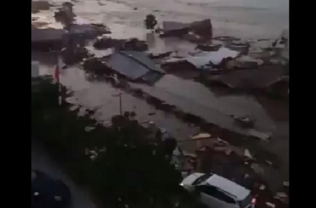 Terremoto y tsunami en Indonesia dejan un saldo preliminar de 48 muertos