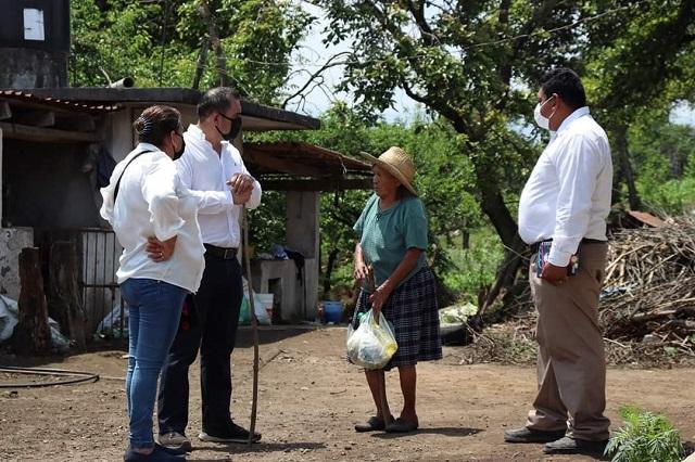 Familias de Teteles reciben apoyos alimentarios por Covid-19